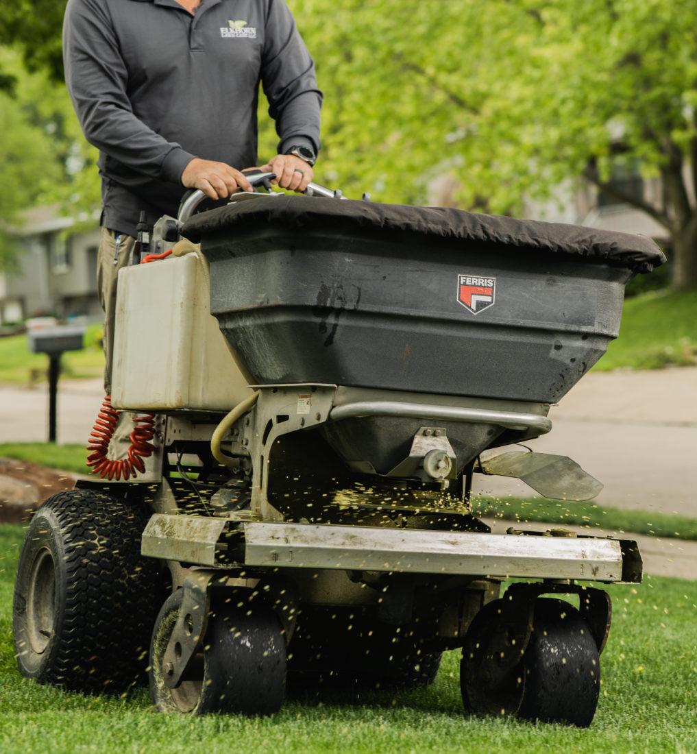 Fertilizing Nebraska Service | Elkhorn Lawn Care